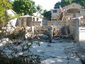 cour de orphelinat après séisme