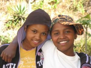 jeunes filles d'Akany Avoko